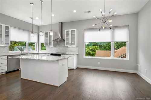 Gallery thumbnail for 1014 Westbrook Drive Unit A Charlotte NC 28202 3