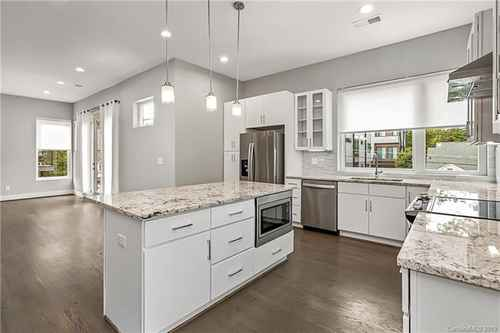 Gallery thumbnail for 1014 Westbrook Drive Unit A Charlotte NC 28202 9