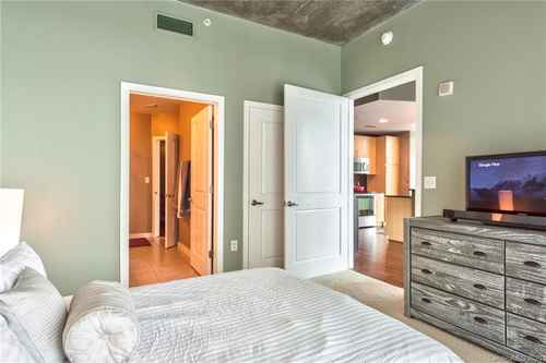 Gallery thumbnail for 210 Church Street Unit 1215 Charlotte NC 28202 11