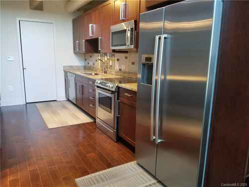 Gallery thumbnail for 215 Pine Street Unit 1402 Charlotte NC 28202 13