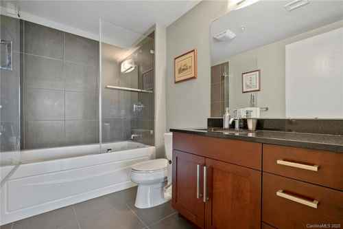 Gallery thumbnail for 215 Pine Street Unit 1402 Charlotte NC 28202 20