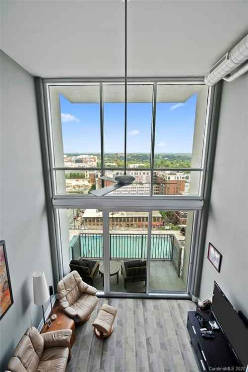 Gallery thumbnail for 215 Pine Street Unit 1402 Charlotte NC 28202 23
