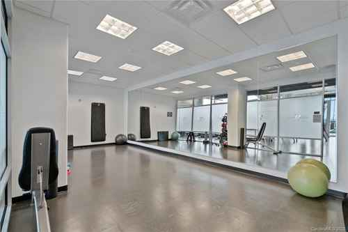 Gallery thumbnail for 215 Pine Street Unit 1402 Charlotte NC 28202 33