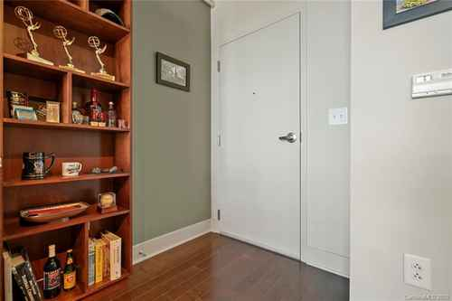 Gallery thumbnail for 215 Pine Street Unit 1402 Charlotte NC 28202 5