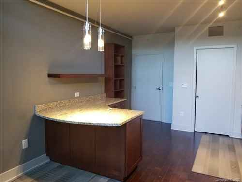 Gallery thumbnail for 215 Pine Street Unit 1402 Charlotte NC 28202 6