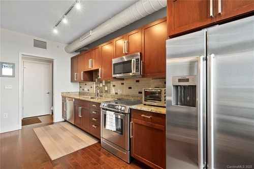 Gallery thumbnail for 215 Pine Street Unit 1402 Charlotte NC 28202 9