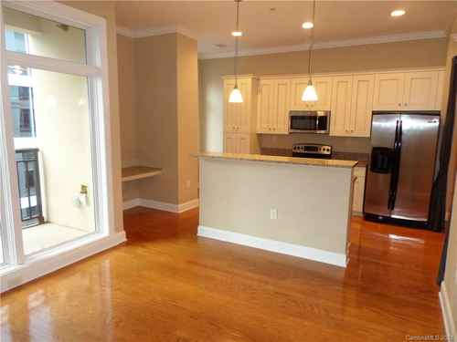 Gallery thumbnail for 230 S Tryon Street Unit 1005 Charlotte NC 28202 3