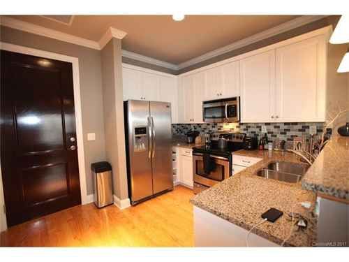 Gallery thumbnail for 230 S Tryon Street Unit 304 Charlotte NC Downtown 3