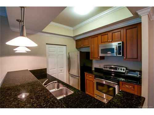 Gallery thumbnail for 300 W 5th Street Unit 639 Charlotte NC Fourth Ward 13