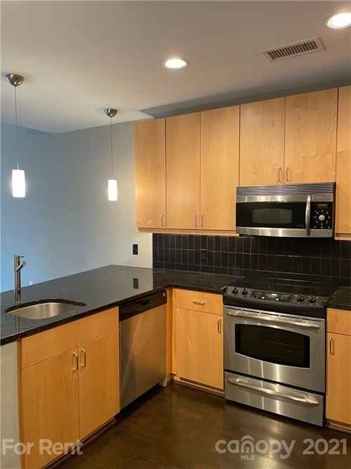 Gallery thumbnail for 333 W Trade Street Unit 909 Charlotte NC 28202 3
