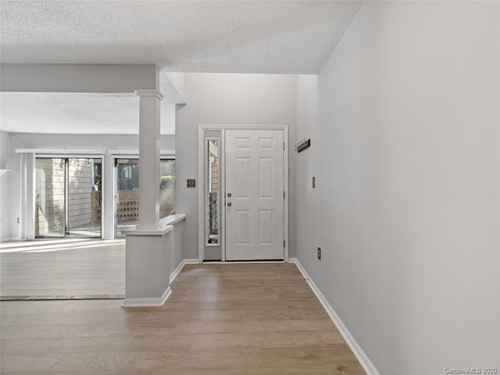 Gallery thumbnail for 427 W 8th Street Unit 104 Charlotte NC 28202 1