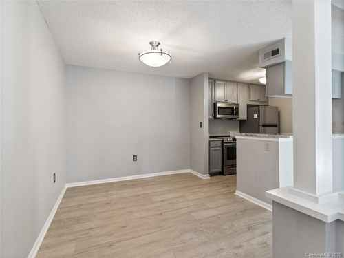 Gallery thumbnail for 427 W 8th Street Unit 104 Charlotte NC 28202 2
