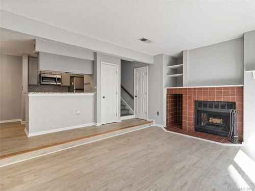 Gallery thumbnail for 427 W 8th Street Unit 104 Charlotte NC 28202 8