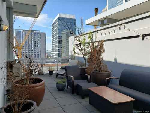 Gallery thumbnail for 435 S Tryon Street Unit 906 Charlotte NC 28202 21