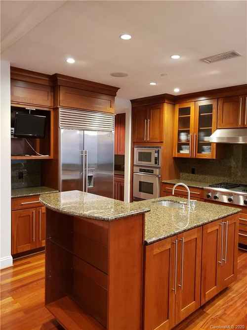 Gallery thumbnail for 435 S Tryon Street Unit 906 Charlotte NC 28202 5