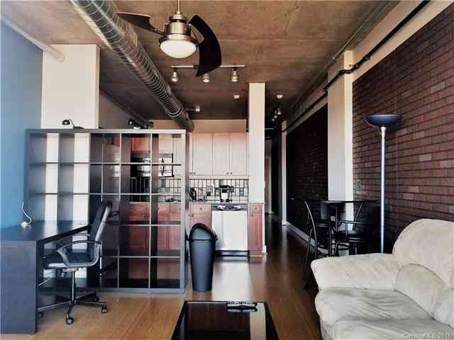 Main Thumbnail for 505 E 6th Street Unit 913 Charlotte NC 28202