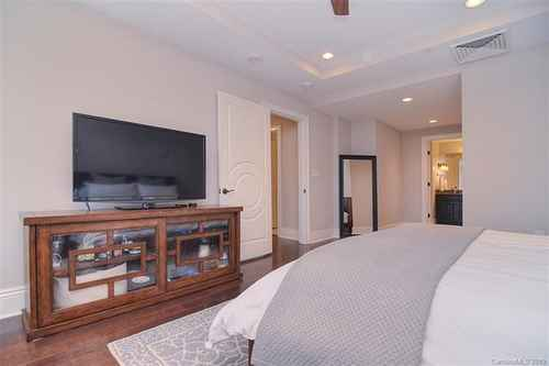 Gallery thumbnail for 520 E Martin Luther King Boulevard Unit 1103 Charlotte NC 28202 21