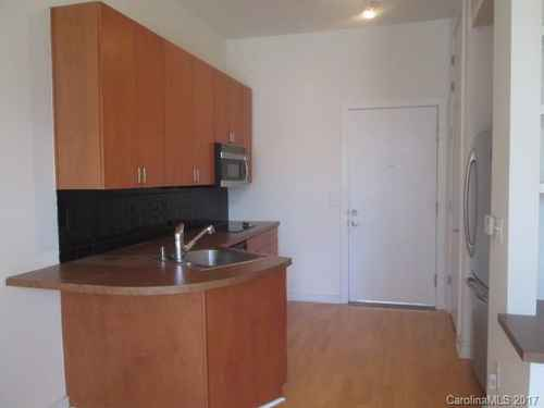 Gallery thumbnail for 525 E 6th Street Unit 304 Charlotte NC Court 6 1