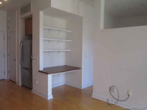Gallery thumbnail for 525 E 6th Street Unit 304 Charlotte NC Court 6 2